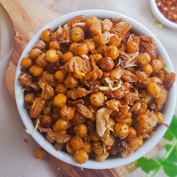 sweet and spicy roasted chickpeas