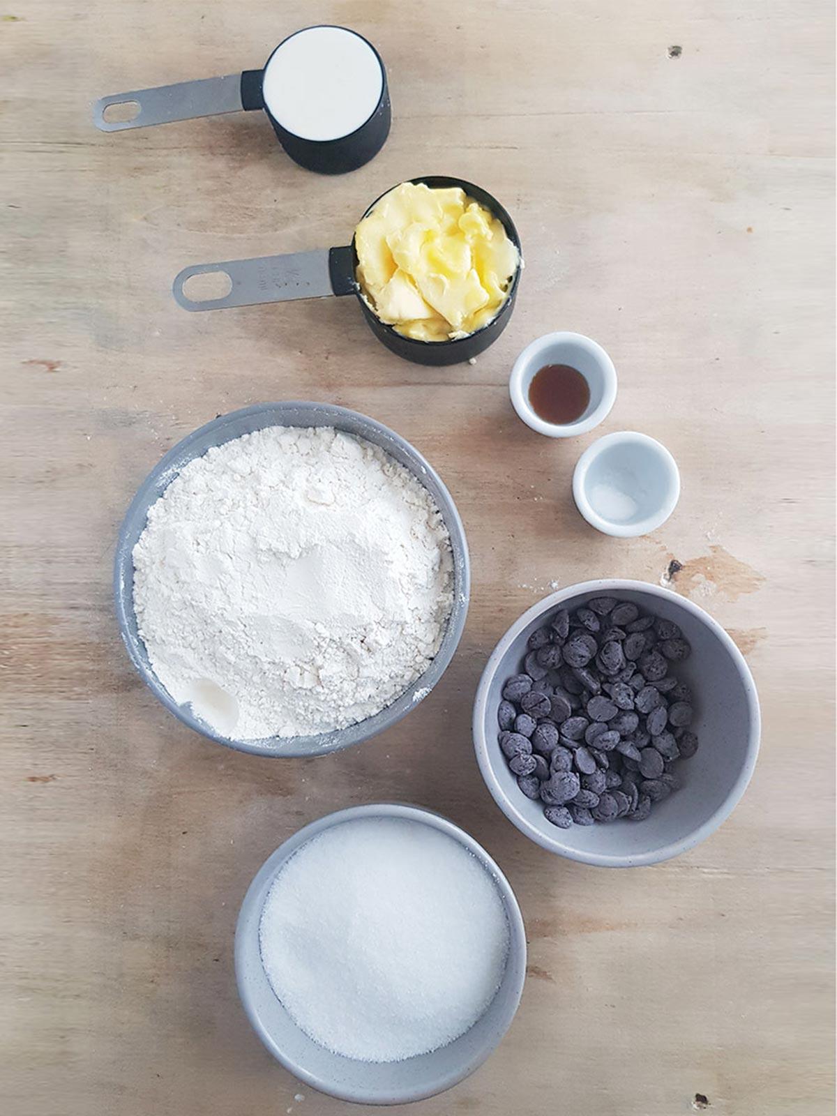 Eggless chocolate chip cookies ingredients